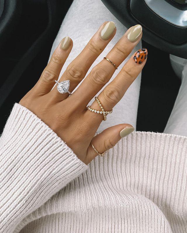fall nails, fall nail designs, fall nails 2021, fall nail colors, fall nails acrylic, fall nails simple, fall nail art, fall nail ideas, simple fall nails, cute fall nails, green nails, green nail ideas, leopard nails