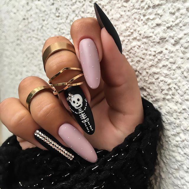 halloween nails, halloween nails acrylic, halloween nails ideas, halloween nails short, halloween nails simple, halloween nails easy, halloween nails 2021, halloween nails acrylic coffin, skeleton nails, pink nails, black nails