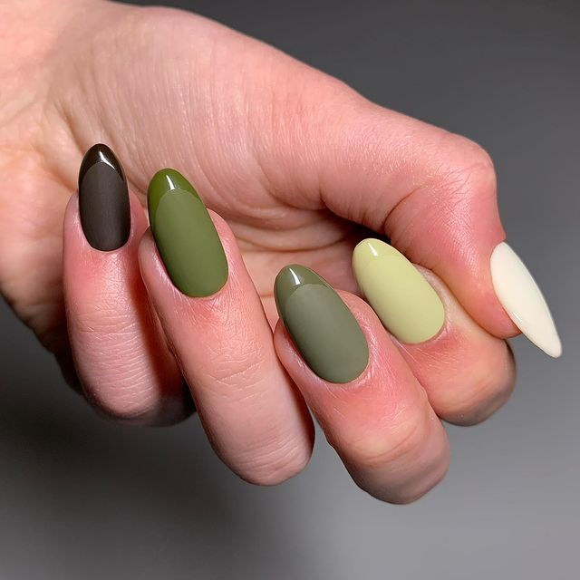 fall nails, fall nail designs, fall nails 2021, fall nail colors, fall nails acrylic, fall nails simple, fall nail art, fall nail ideas, simple fall nails, cute fall nails, gradient nails, green nails