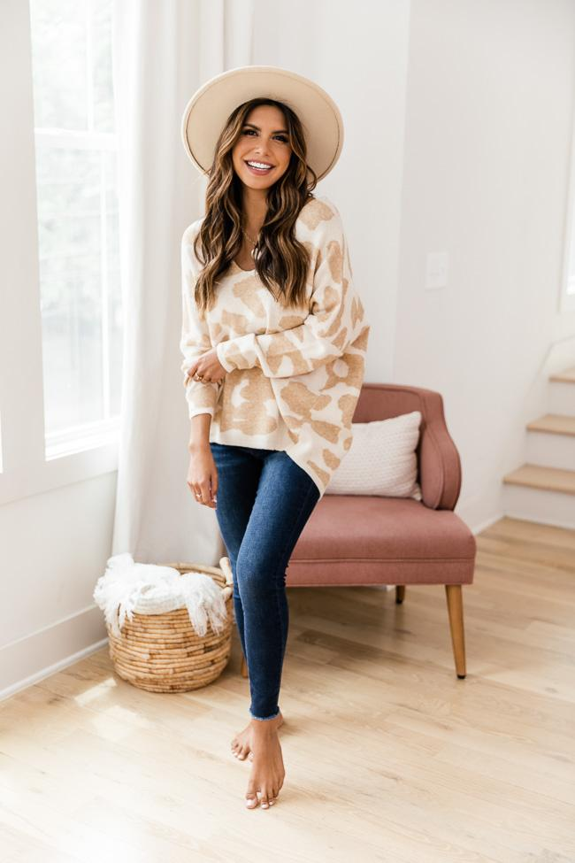 fall outfits, fall outfits women, fall outfits 2021, fall outfit ideas, fall outfits aesthetic, fall outfits fo school, leopard outfit, leopard sweater outfit