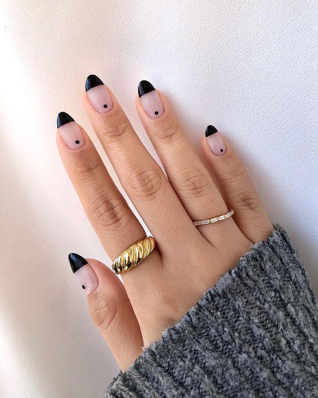 fall nails, fall nail designs, fall nails 2021, fall nail colors, fall nails acrylic, fall nails simple, fall nail art, fall nail ideas, simple fall nails, cute fall nails, black nails, black nail designs