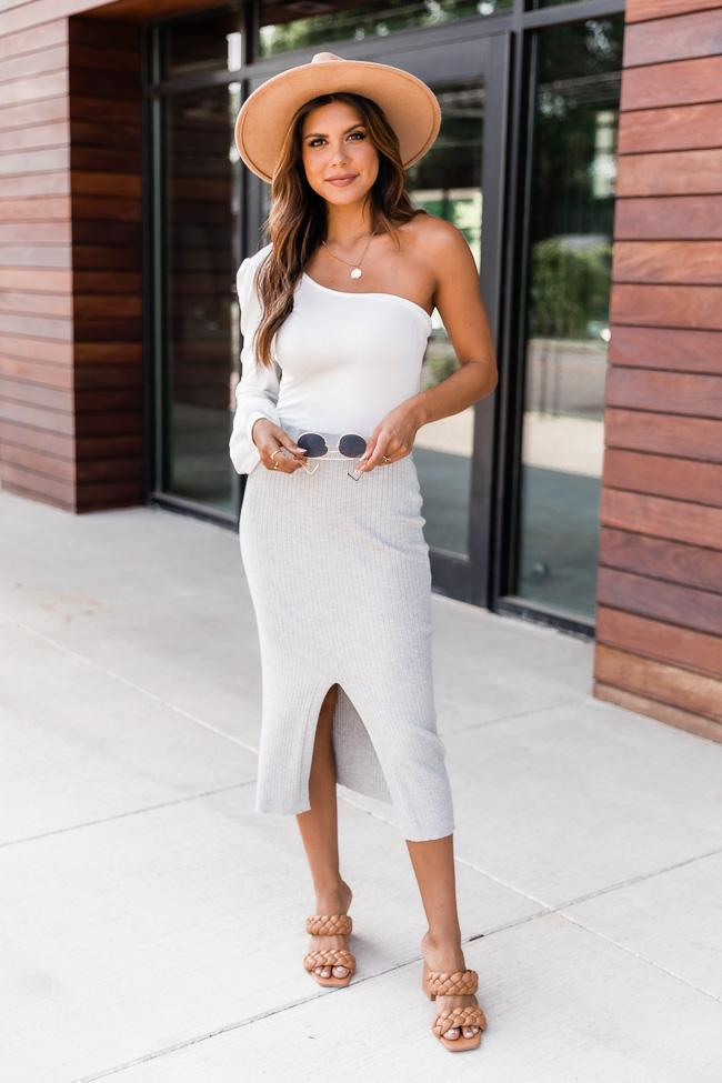 fall outfits, fall outfits women, fall outfits 2021, fall outfit ideas, fall outfits aesthetic, fall outfits fo school, white bodysuit outfit, midi skirt outfit