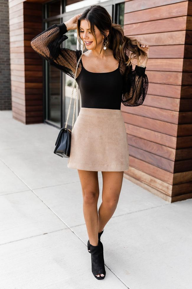 fall outfits, fall outfits women, fall outfits 2021, fall outfit ideas, fall outfits aesthetic, fall outfits fo school, date night outfit, fall skirt outfit, black bodysuit outfit
