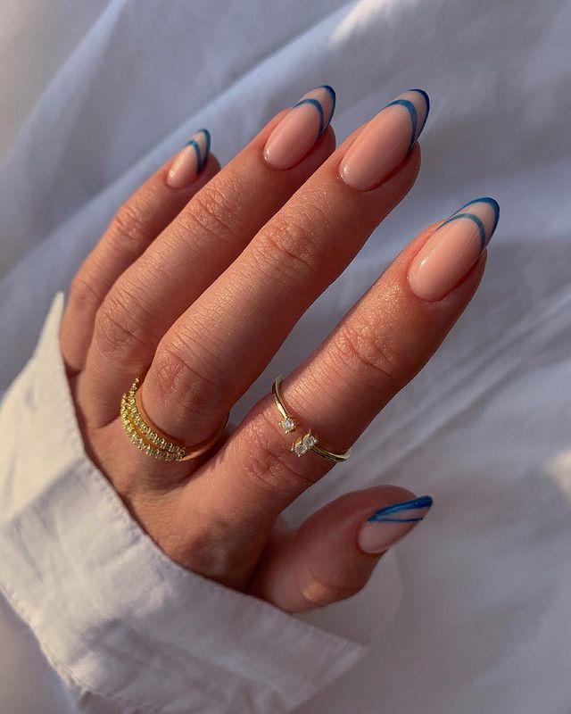 cute nails, cue nails acrylic, cute nails for summer, cute nail designs, cute nail ideas, cute nail art, line nail art, blue nails, blue nail ideas