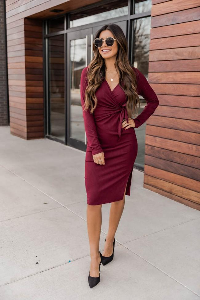 fall outfits, fall outfits women, fall outfits 2021, fall outfit ideas, fall outfits aesthetic, fall outfits fo school, burgundy Dress, red dress outfit, fall dress, fall dress outfit