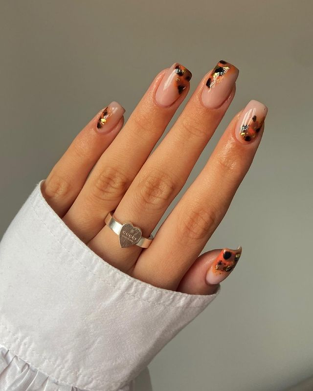 fall nails, fall nail designs, fall nails 2021, fall nail colors, fall nails acrylic, fall nails simple, fall nail art, fall nail ideas, simple fall nails, cute fall nails, leopard nails, leopard nail art