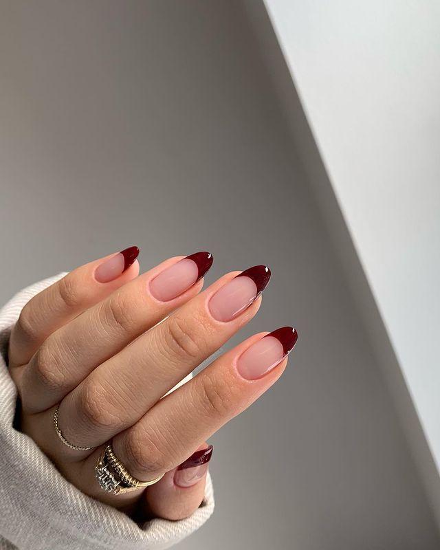 fall nails, fall nail designs, fall nails 2021, fall nail colors, fall nails acrylic, fall nails simple, fall nail art, fall nail ideas, simple fall nails, cute fall nails, French tip nails, burgundy nails