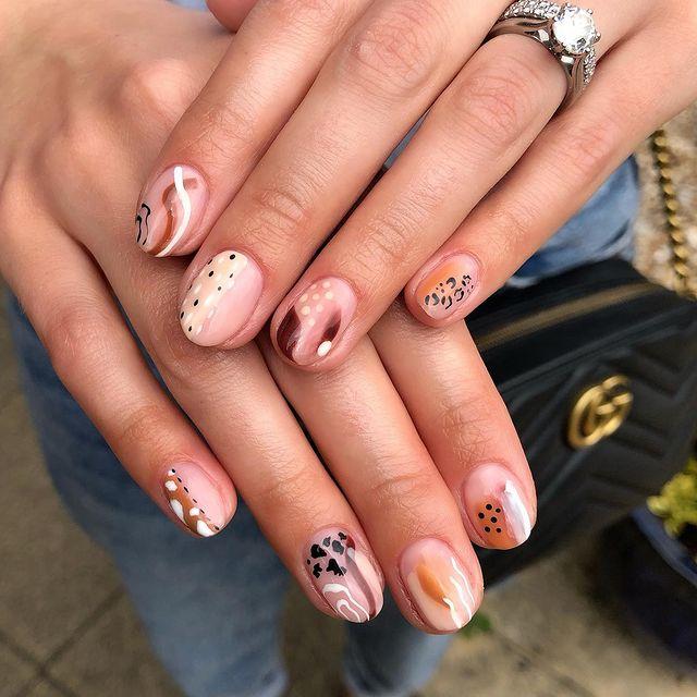 cute nails, cue nails acrylic, cute nails for summer, cute nail designs, cute nail ideas, cute nail art, fall nails, fall nail ideas, abstract nails, abstract nail ideas