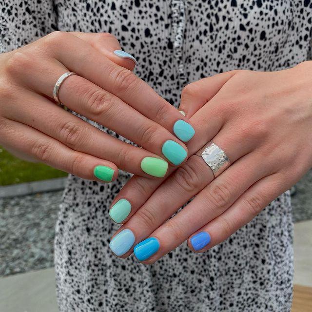 cute nails, cue nails acrylic, cute nails for summer, cute nail designs, cute nail ideas, cute nail art, ombre nails, ombre nail ideas, green nails, blue nails