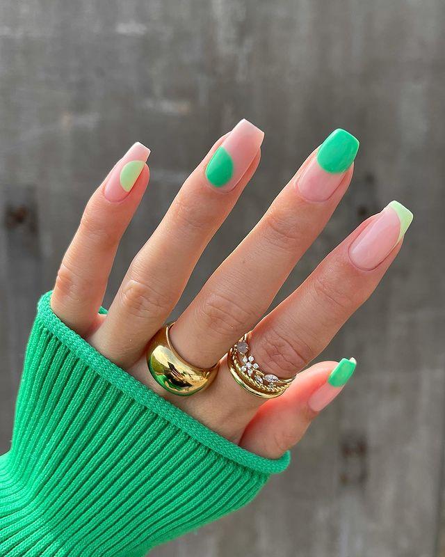 cute nails, cue nails acrylic, cute nails for summer, cute nail designs, cute nail ideas, cute nail art, green nails, green nail designs, green nail ideas, abstract nails