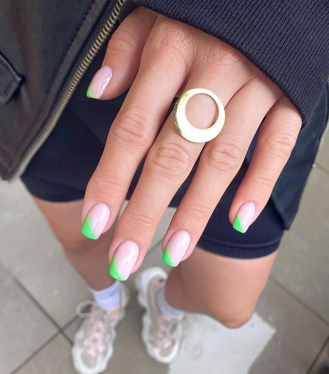 cute nails, cue nails acrylic, cute nails for summer, cute nail designs, cute nail ideas, cute nail art, green nails, green nail art, green nail ideas, side French nails