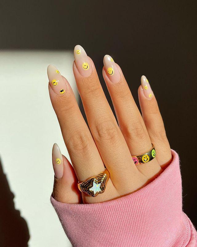 cute nails, cue nails acrylic, cute nails for summer, cute nail designs, cute nail ideas, cute nail art, smiley face nails, smiley face nails aesthetic, 90s nails