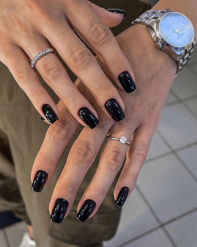 fall nails, fall nail designs, fall nails 2021, fall nail colors, fall nails acrylic, fall nails simple, fall nail art, fall nail ideas, simple fall nails, cute fall nails, black nails, black nail ideas, black nail art