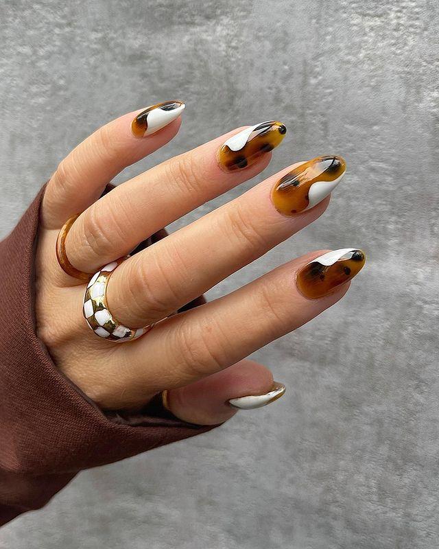 fall nails, fall nail designs, fall nails 2021, fall nail colors, fall nails acrylic, fall nails simple, fall nail art, fall nail ideas, simple fall nails, cute fall nails, tortoise shell nails, white nails