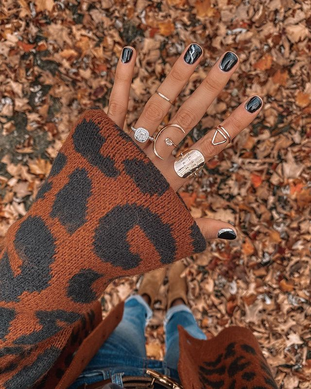 fall nails, fall nail designs, fall nails 2021, fall nail colors, fall nails acrylic, fall nails simple, fall nail art, fall nail ideas, simple fall nails, cute fall nails, black nails, black nail art, black nail designs