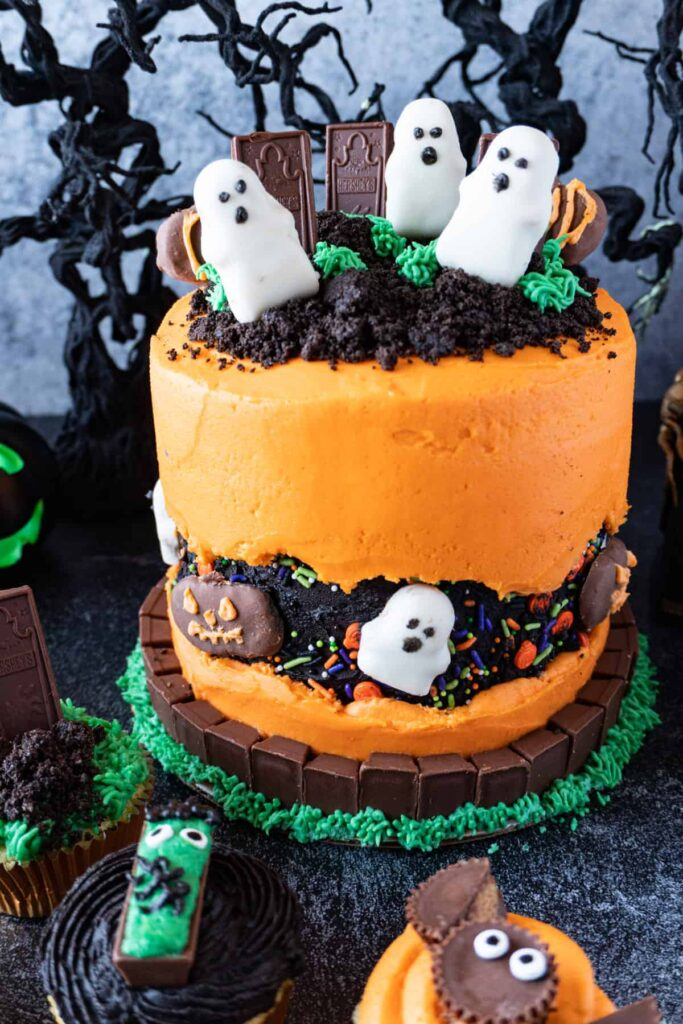 halloween treats, halloween treats easy, halloween treats for kids, halloween treats desserts, halloween treats ideas, halloween desserts, halloween dessert for parties, halloween desserts easy, halloween desserts kids, halloween cake