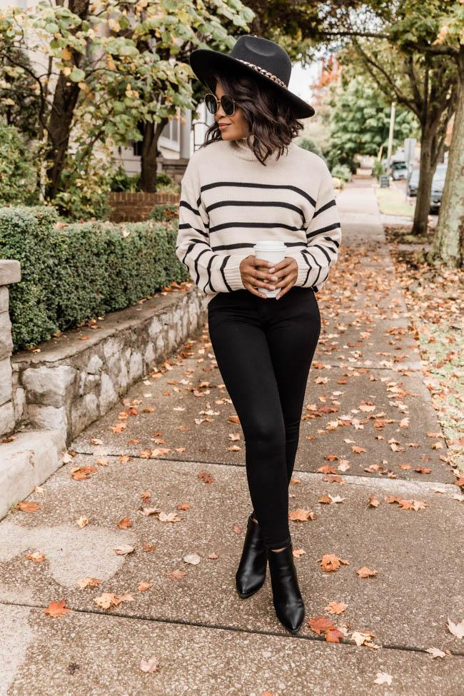 fall outfits, fall outfits women, fall outfits 2021, fall outfit ideas, fall outfits aesthetic, fall outfits fo school, black denim outfit, striped sweater outfit