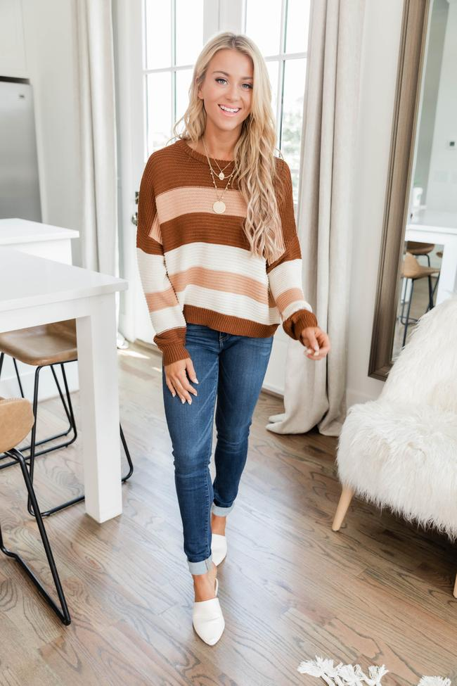 fall outfits, fall outfits women, fall outfits 2021, fall outfit ideas, fall outfits aesthetic, fall outfits fo school, striped sweater outfit, fall sweater outfit