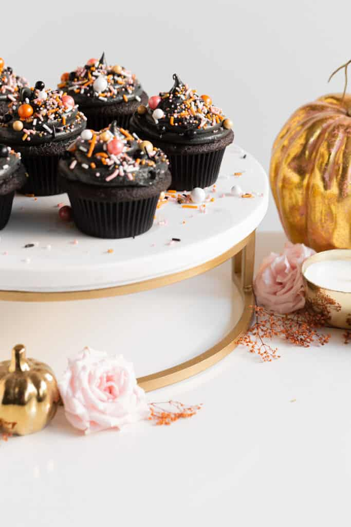 halloween treats, halloween treats easy, halloween treats for kids, halloween treats desserts, halloween treats ideas, halloween desserts, halloween dessert for parties, halloween desserts easy, halloween desserts kids, halloween cupcakes