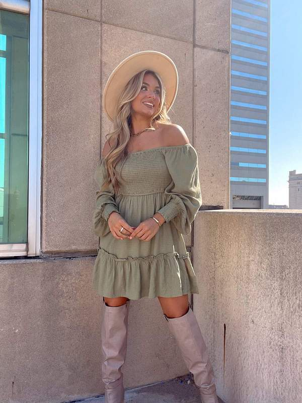 fall outfits, fall outfits women, fall outfits 2021, fall outfit ideas, fall outfits aesthetic, fall outfits fo school, smocked dress outfit, otk boots outfit