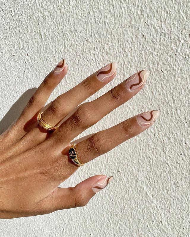 brown nails, brown nails acrylic, brown nails design, brown nails ideas, brown nails aesthetic, brown nails short, brown nails acrylic almond, brown nails acrylic coffin, easy brown nails, simple brown nails, trendy brown nails, swirl nails, swirl nail ideas, swirl nail designs
