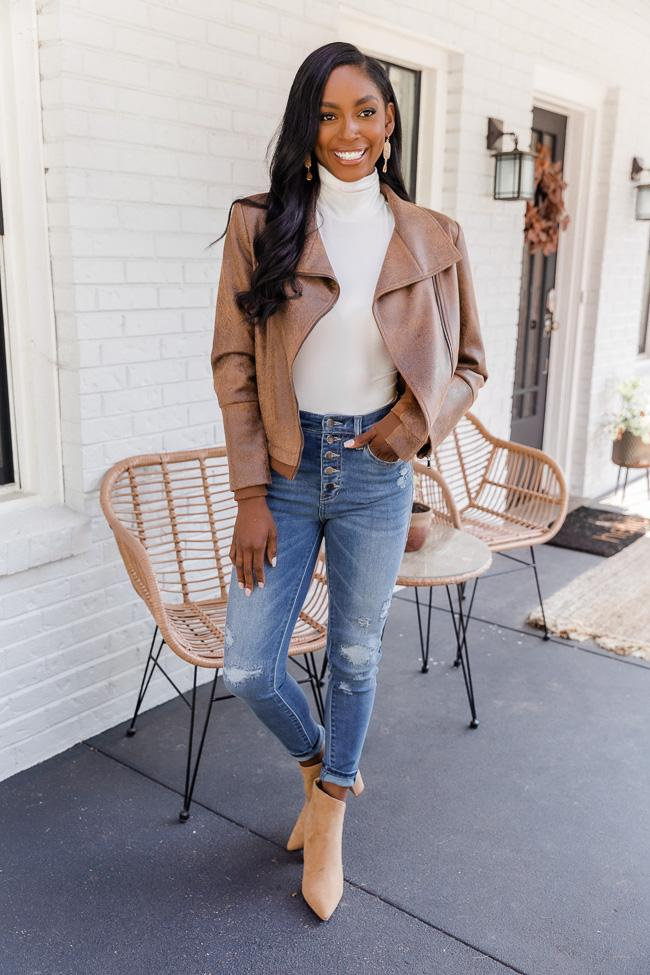 fall outfit idea, fall outfit ideas, fall outfits, fall outfits 2021, fall outfits women, fall outfits aesthetic, fall outfit inspiration, fall outfits for school, cute fall outfits, moto jacket outfit