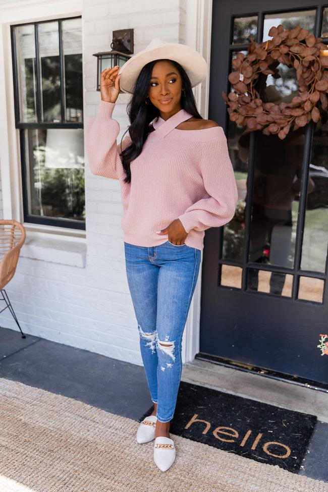 fall outfit idea, fall outfit ideas, fall outfits, fall outfits 2021, fall outfits women, fall outfits aesthetic, fall outfit inspiration, fall outfits for school, cute fall outfits, pink fall sweater, fall sweater outfit