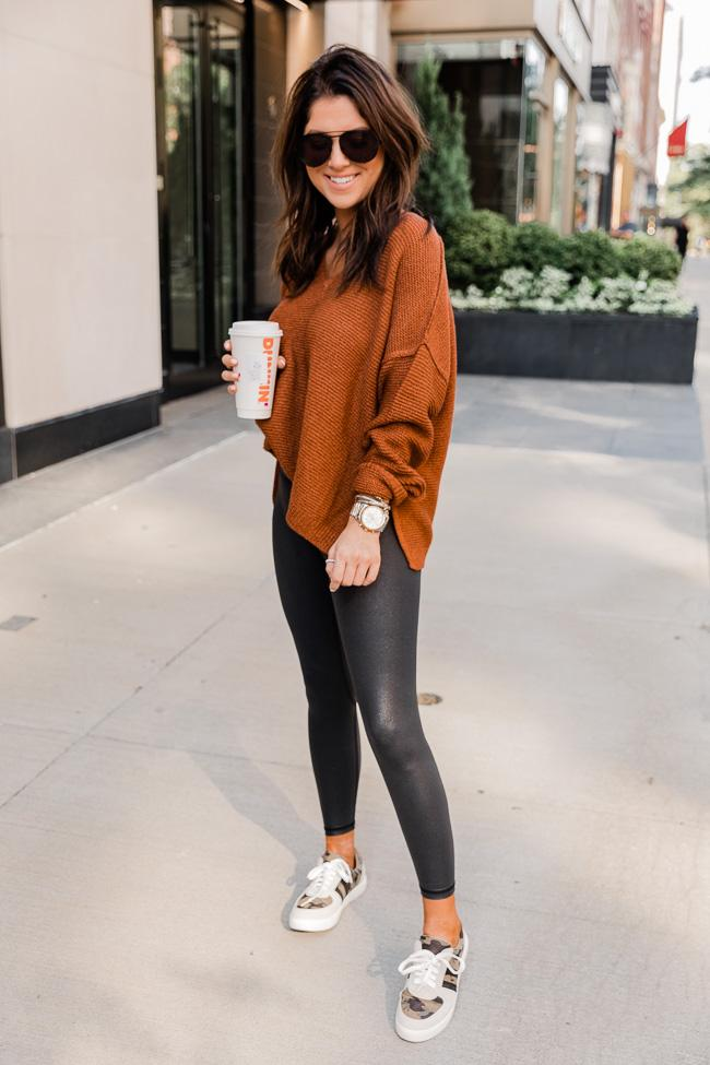 fall outfit idea, fall outfit ideas, fall outfits, fall outfits 2021, fall outfits women, fall outfits aesthetic, fall outfit inspiration, fall outfits for school, cute fall outfits, casual fall outfit, black leggings outfit, leggings outfit, fall leggings outfit