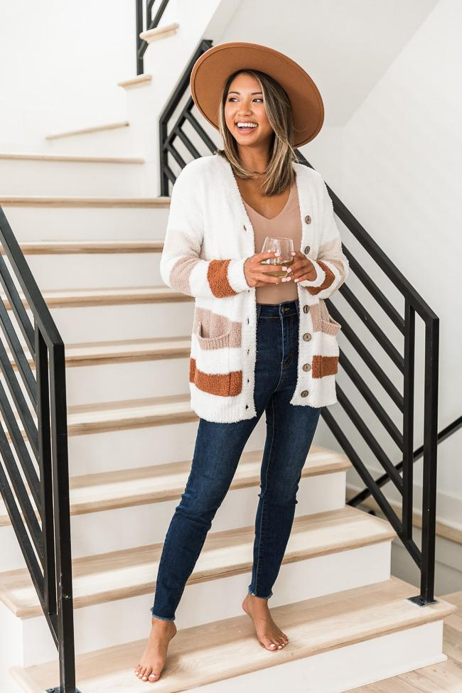 fall outfit idea, fall outfit ideas, fall outfits, fall outfits 2021, fall outfits women, fall outfits aesthetic, fall outfit inspiration, fall outfits for school, cute fall outfits, striped cardigan, fuzzy cardigan outfit