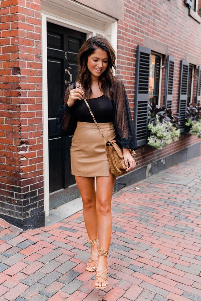 fall outfit idea, fall outfit ideas, fall outfits, fall outfits 2021, fall outfits women, fall outfits aesthetic, fall outfit inspiration, fall outfits for school, cute fall outfits, date night outfit, faux leather skirt outfit, fall skirt outfit