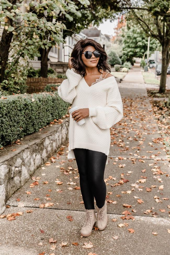 fall outfit idea, fall outfit ideas, fall outfits, fall outfits 2021, fall outfits women, fall outfits aesthetic, fall outfit inspiration, fall outfits for school, cute fall outfits, leggings outfit, black leggings outfit