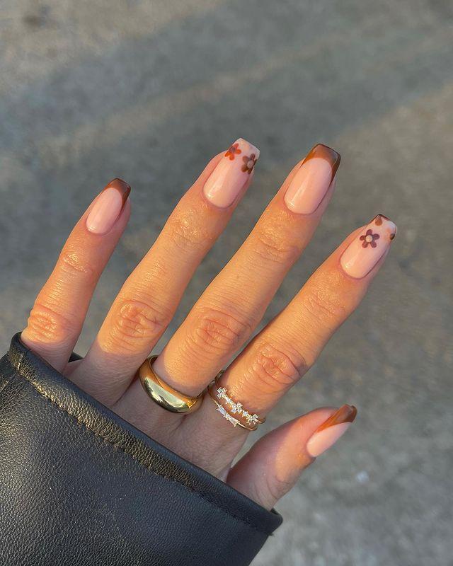brown nails, brown nails acrylic, brown nails design, brown nails ideas, brown nails aesthetic, brown nails short, brown nails acrylic almond, brown nails acrylic coffin, easy brown nails, simple brown nails, trendy brown nails, floral nails, floral nail ideas