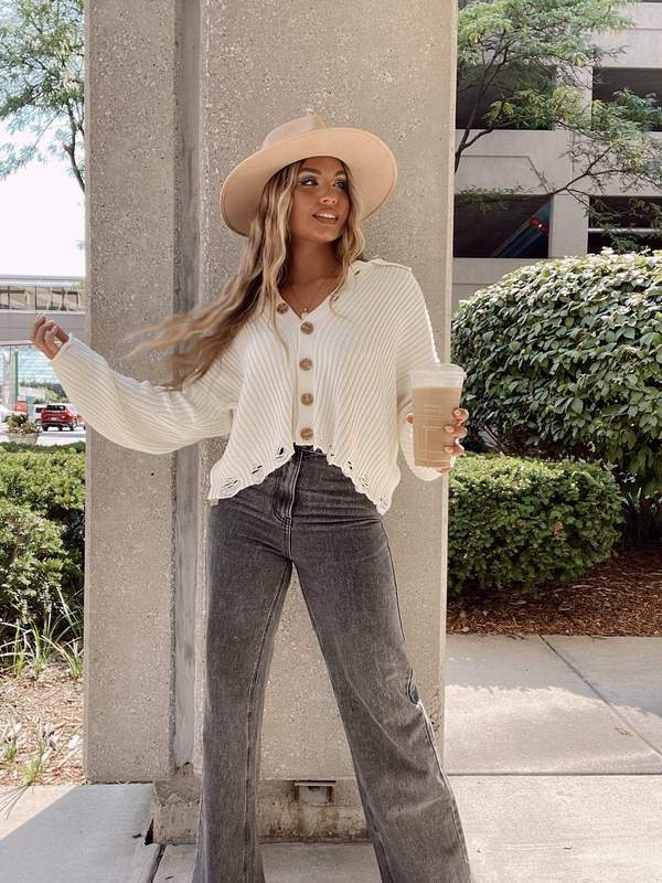 fall outfit idea, fall outfit ideas, fall outfits, fall outfits 2021, fall outfits women, fall outfits aesthetic, fall outfit inspiration, fall outfits for school, cute fall outfits, cardigan sweater outfit