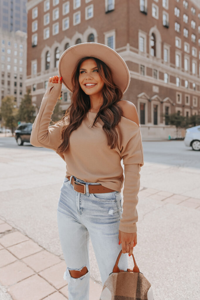 fall outfit idea, fall outfit ideas, fall outfits, fall outfits 2021, fall outfits women, fall outfits aesthetic, fall outfit inspiration, fall outfits for school, cute fall outfits, off the shoulder sweater outfit