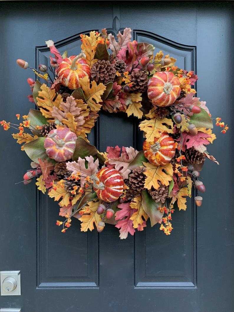 50+ Thanksgiving Wreaths To Give Some Warmth To Your Home!