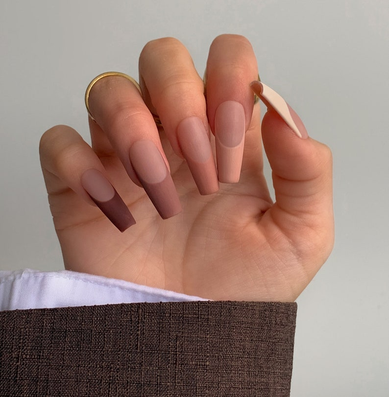 brown nails, brown nails acrylic, brown nails design, brown nails ideas, brown nails aesthetic, brown nails short, brown nails acrylic almond, brown nails acrylic coffin, easy brown nails, simple brown nails, trendy brown nails, neutral nails, matte nails