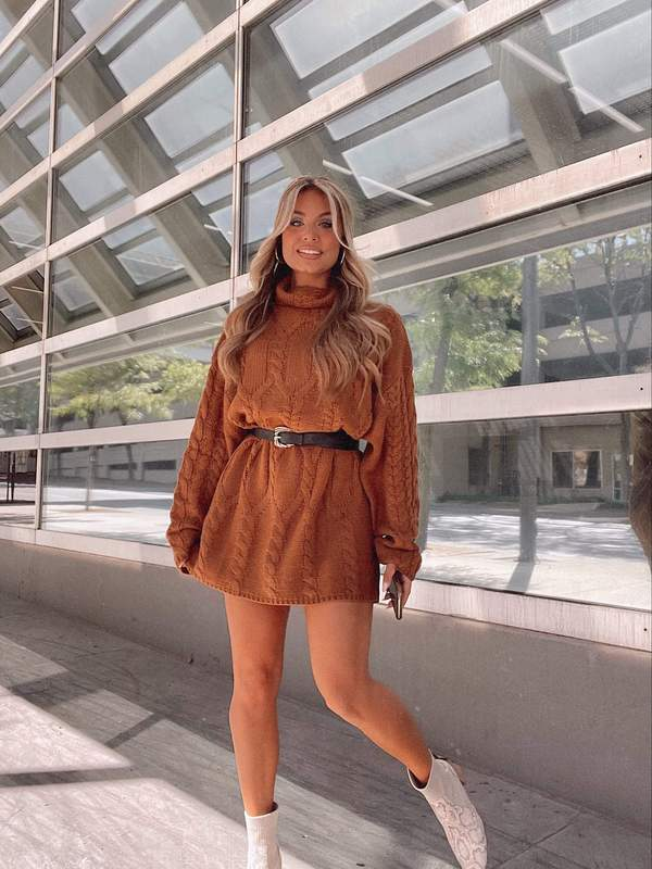 fall outfit idea, fall outfit ideas, fall outfits, fall outfits 2021, fall outfits women, fall outfits aesthetic, fall outfit inspiration, fall outfits for school, cute fall outfits, sweater dress outfit, fall sweater dress outfit